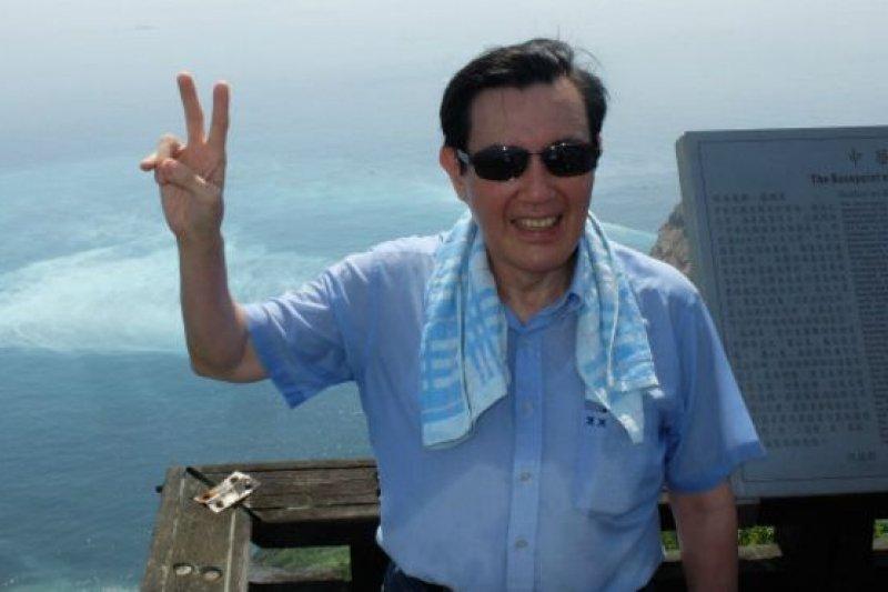 馬英九巡視龜山島。(BBC中文網)