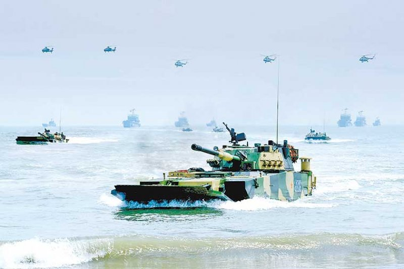 中華人民共和國防部發布「第31集團軍在東南某海域組織立體登陸突擊演練」消息。(中華人民共和國國防部新聞稿附圖)