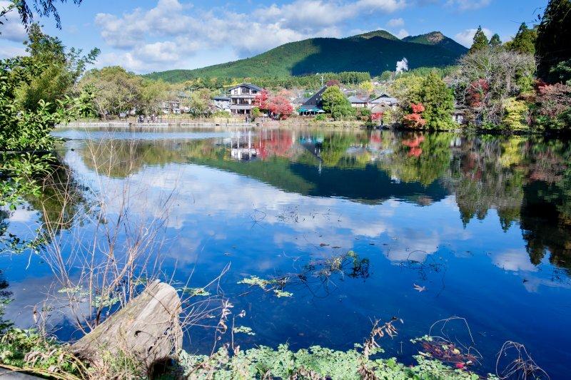 春、夏、秋、冬都展現出不同風情面貌的金鱗湖,湖光山色美景讓人徹底忘卻煩憂(圖/ml0716@flickr)