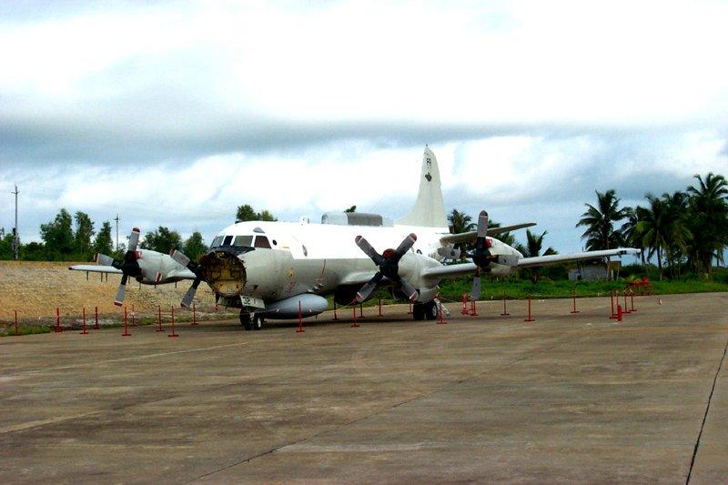 在海南島迫降的美軍EP-3。(維基百科)