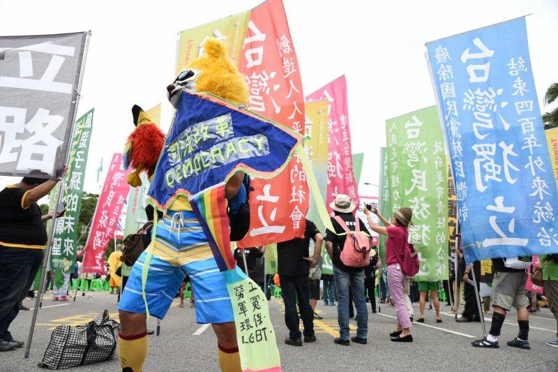 20160520-SMG0045-042-獨派在陳抗區抗議-也有要求司法改革者在其中-林惟崧攝.jpg