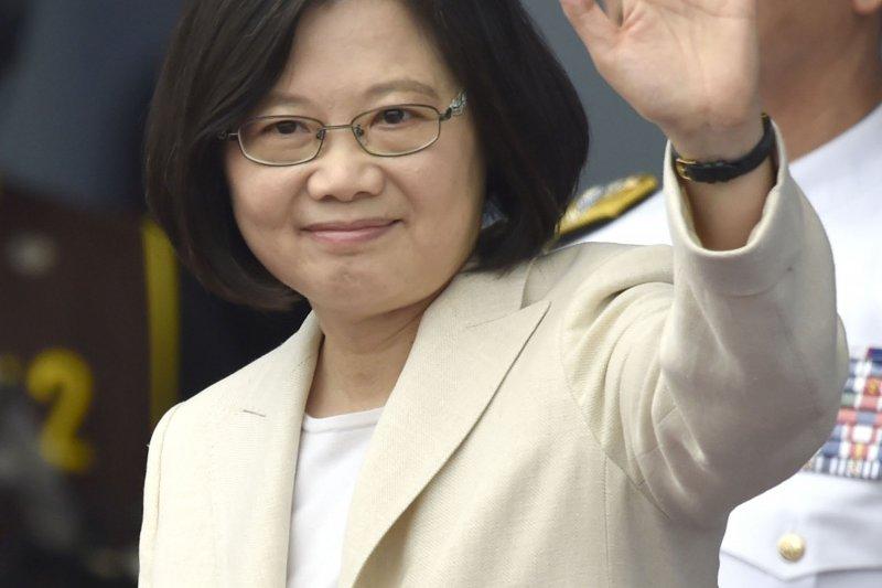 台灣第一位女總統就職大典,台灣放光了,世界都在看。(美聯社)