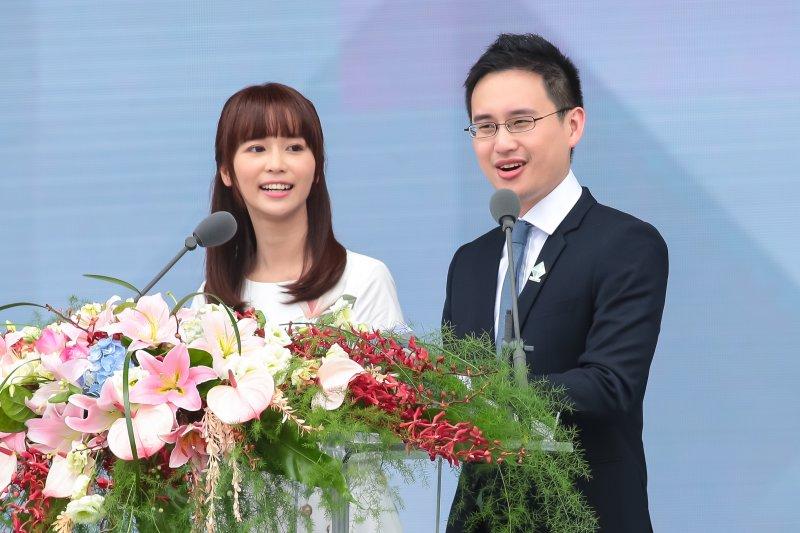 中華民國第十四任總統副總統就職慶祝大會主持人陳明珠、口譯哥趙怡翔。(顏麟宇攝)