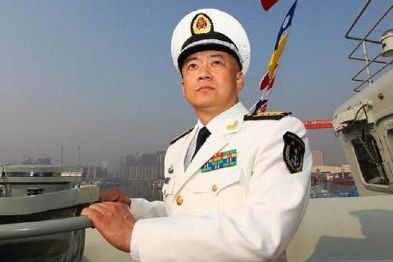 遼寧艦第一任艦長張崢。