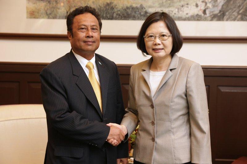 蔡英文總統21日在總統府內會晤帛琉總統雷蒙傑索(Tommy E. Remengesau, Jr.)(總統府)