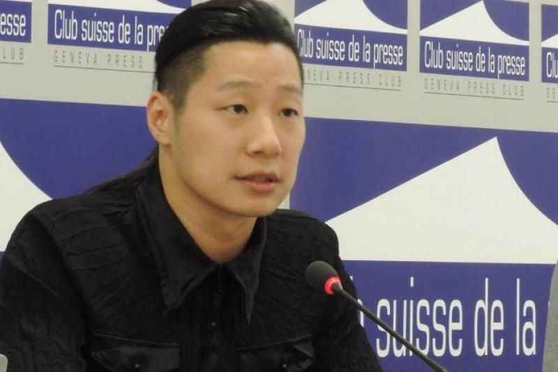 時代力量立委林昶佐23日晚間在日內瓦向國際記者演講時指出,真誠期盼台灣能以一個正常國家身分,與世界進行更多正面以及有尊嚴的交流與合作。(取自林昶佐臉書)
