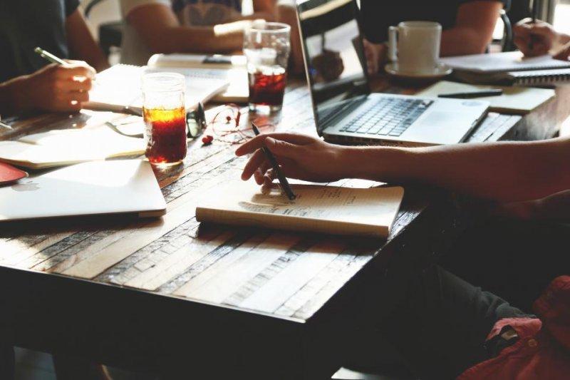 新創公司需要源源不絕的創意,菜鳥勇於突破改變,兩者真的能一拍即合嗎?(圖/StockSnap.io)