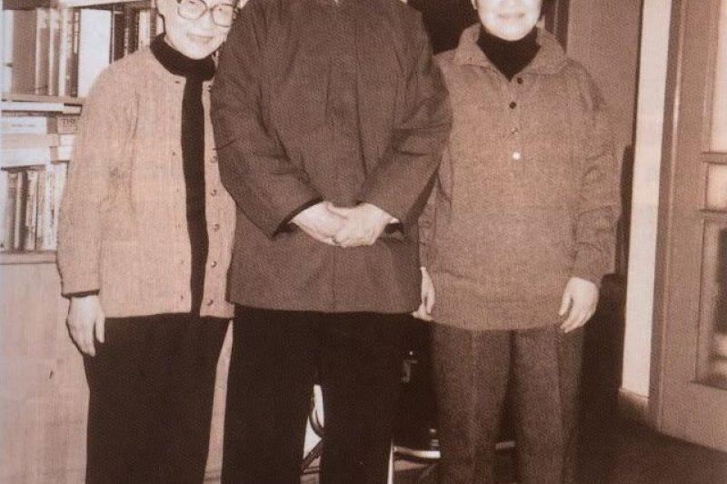 「我們仨」錢鍾書與楊絳、錢瑗(取自網路)