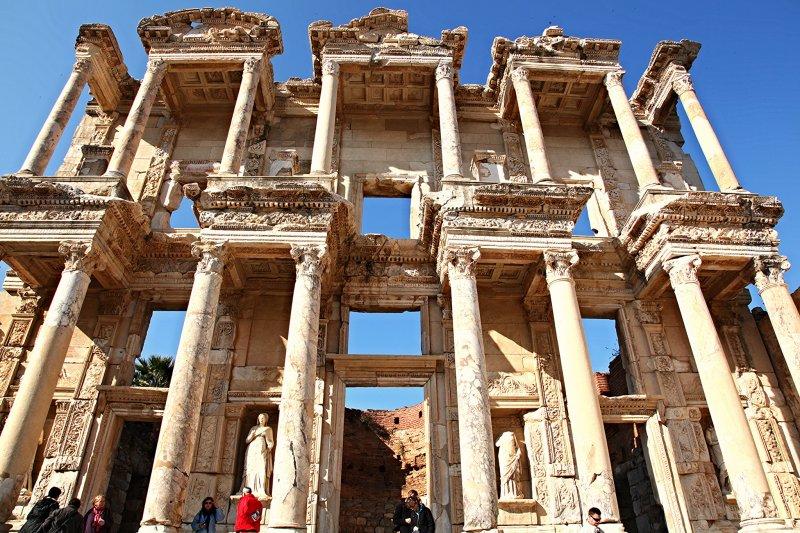 以弗所是全世界規模最大且保存最完整的希臘羅馬古城!(圖/paweesit@flickr)