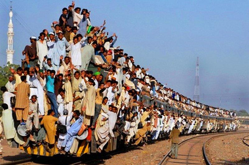 在印度,沒有什麼事是說得準的;旅人必須隨時準備面對驚奇——不一定是驚喜。(取自網路)