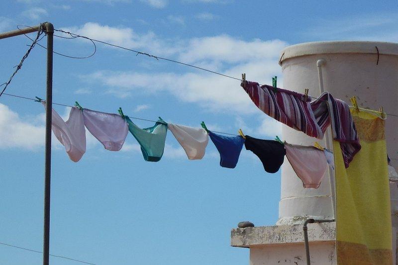 劍橋郡警方將免費提供內衣褲、洗面乳、牙膏牙刷等衛生用品給有經濟困難的年輕人,以協助他們維持身體清潔,進而預防犯罪。(圖/Pixabay)