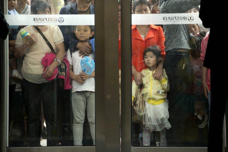 中國放寬一胎化政策後,許多高齡婦女已願意嘗試人工受孕。(美聯社)