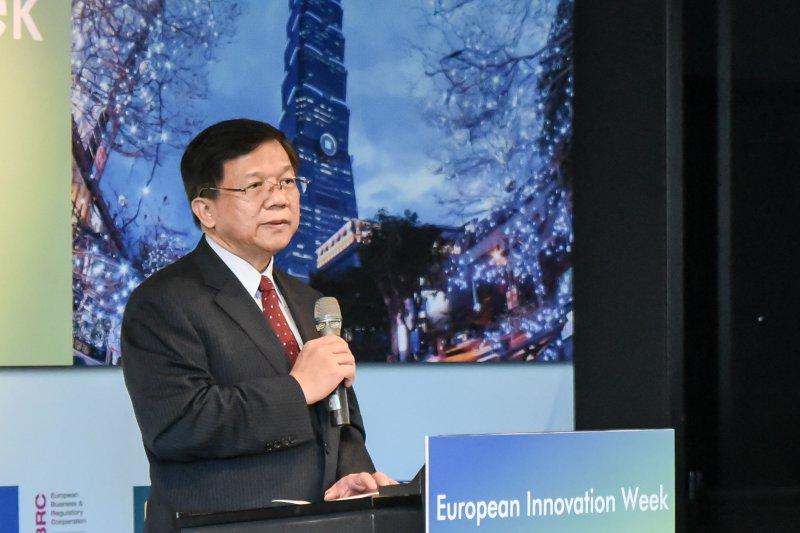 經濟部長李世光30日出席「歐盟創新週」活動,希望透過與歐盟強化產業合作關係,推動台灣經濟發展。(林惟崧攝)