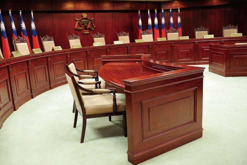 作者認為特權關說是司法無法獨立的的主因,圖為司法院憲法法庭。(取自司法院網站)