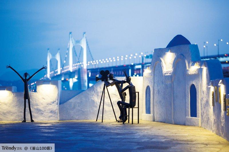 如果說香港的尖沙嘴有星光大道的話,釜山的海雲台就有電影的街道(圖/TRENDY文化)