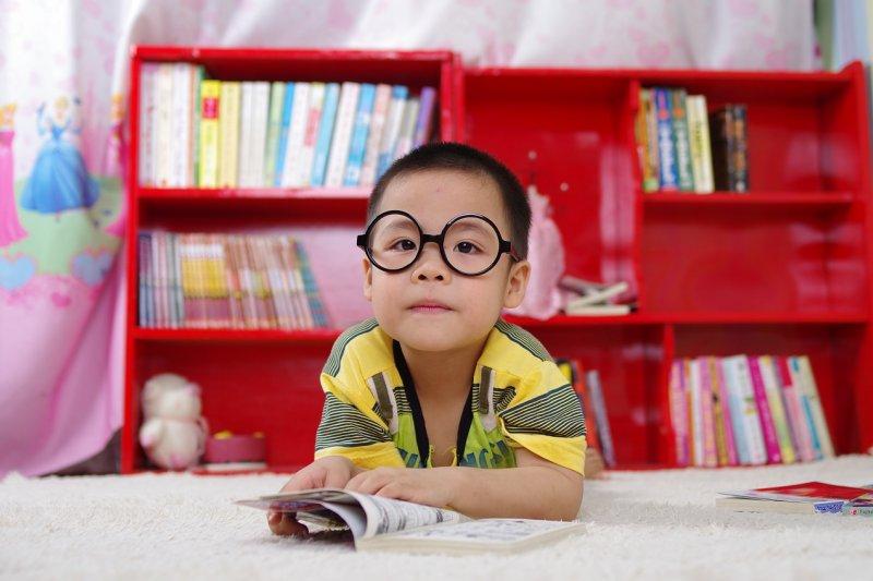 找對了學習資源、用對了學習方法,學習就是一件會令人上癮的事。圖非當事人。(圖/Pixabay)