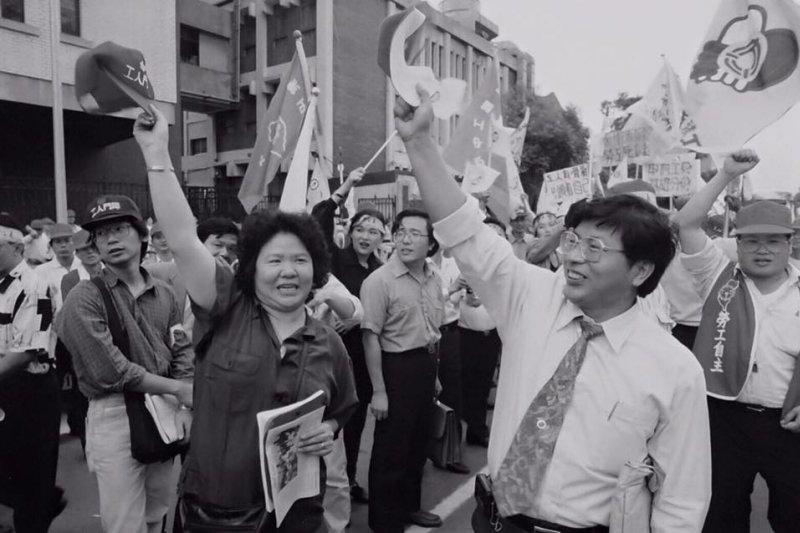 昔日街頭戰友、農委會前副主委戴振耀因罹患胰臟癌而住院,高雄市長陳菊6日表示,得知消息非常不捨。(取自陳菊臉書)