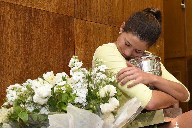 西班牙好手Garbine Muguruza在法網女單決賽扳倒球后Serena Williams ,奪下生涯第一座大滿貫金盃。(資料照,美聯社)