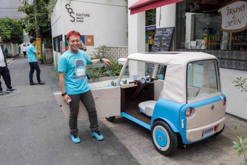 迷你車裡裡外外都充滿日系的「卡哇伊」風格,伊藤表示研發團隊花費很多心力讓車子看起來可愛、不具威脅性。(圖/rimOnO)