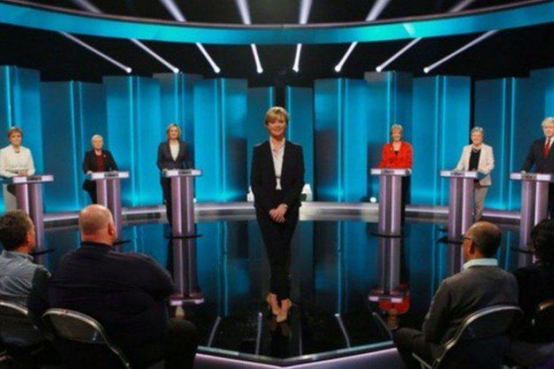 英國獨立電視台9日舉行脫歐公投辯論(取自推特)