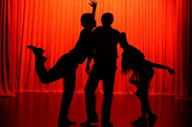 圖片取自《三人行不行》劇照。