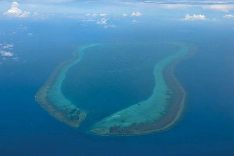 靠近菲律賓的黃岩島是中國和菲律賓在南海爭執的熱點。