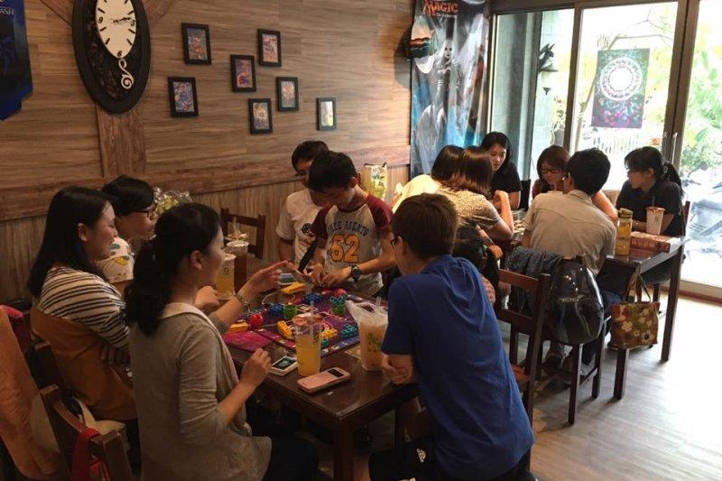 桌遊近年在台灣十分熱門,桌遊店也一間接著一間的開業。(圖/ 雅克諾桌上遊戲精品-宜蘭店@facebook)