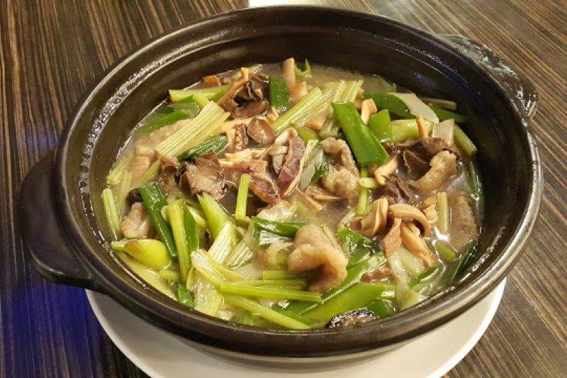 魷魚螺肉蒜是酒家菜經典代表之作。