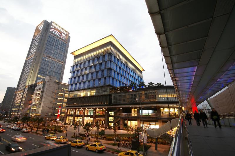 台灣在外國遊客眼中是個治安相對良好的地區,但路上仍潛藏著不少安全疑慮。(圖/flickr@Wei Jen Chang)
