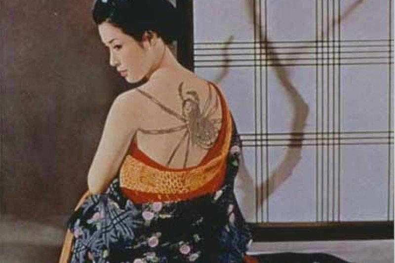 相較西洋的「肉彈」,若尾文子可算是性感女優中最含蓄、最不為台灣人所知的東方未爆彈,她也是極少數上了八十多歲年紀,風韻猶存,依然迷人的女優。(刺青,1966)