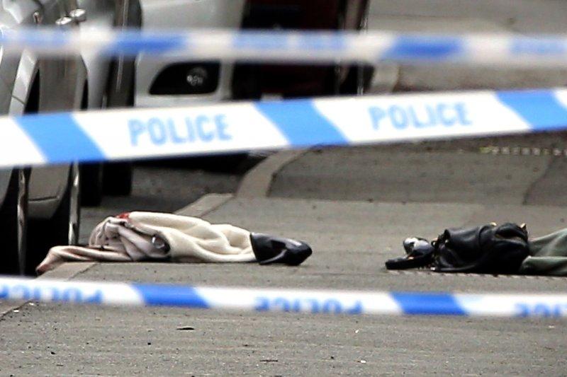 警方封鎖柯克斯(Jo Cox)遇害現場。(美聯社)