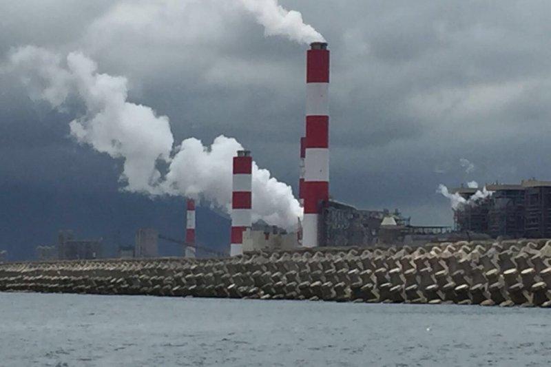 越南台塑河靜鋼鐵廠排污案遭越南求償5億美元,今天已完成賠款。圖為越南台塑河靜鋼鐵廠。(資料照,阮文輝提供)