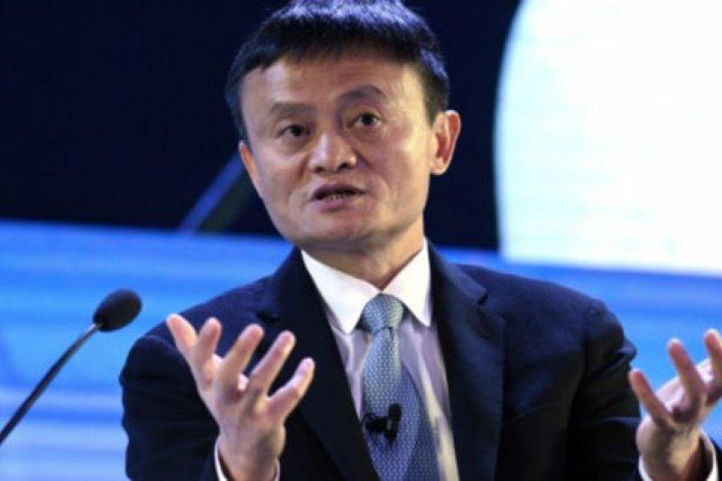 作者指出,中國電子商務市場相較過去20%~30%的成長,2017成長率首度掉到18%以下。這促使過去仰賴互聯網成長所帶來豐碩成果的業者,不得不去思考下一階段的成長可能性。(圖/BBC)