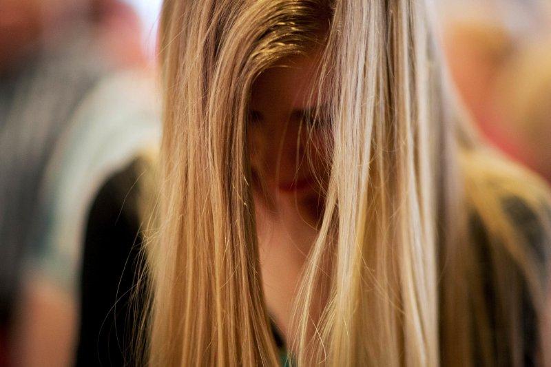 專家表示,青少年若有情緒困擾,有一定比例容易復發及慢性化,應及早給予協助(資料照.美聯社)