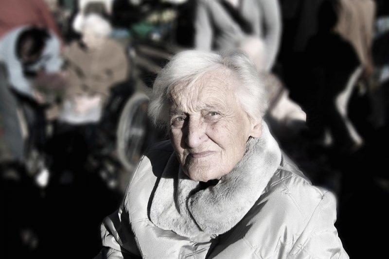 醫學團隊長期研究人瑞大體,希望找到長壽的關鍵。(圖/取自Pixabay)