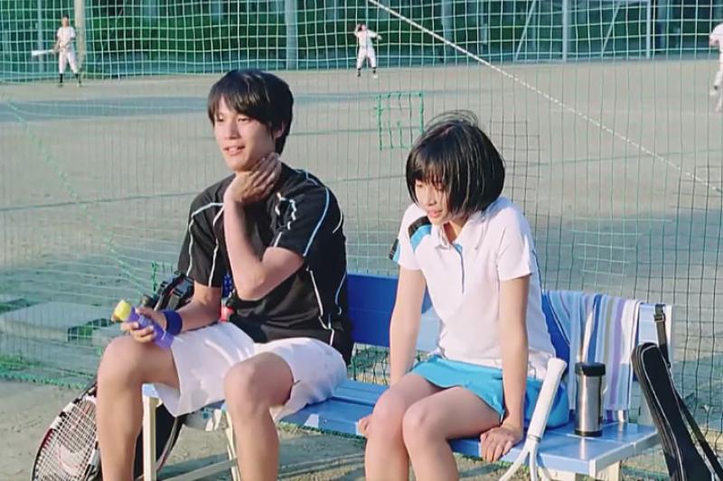 台灣情侶的閃光模式對於純愛掛的日本人來說好像太過火辣?(圖/翻攝Youtube)