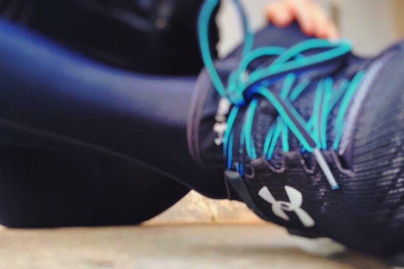 選錯跑鞋,將可能為雙腳帶來額外負擔,影響健康。(圖/pixabay)