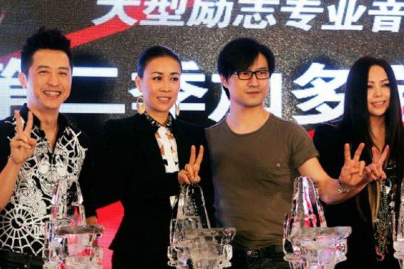 2012年到2015年,燦星公司在Talpa公司的授權下,製作了第1-4季「中國好聲音」。(新華社)
