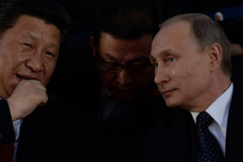 中俄兩國領導人近年來會晤頻繁。據統計,僅去年一年內,習近平與普京在不同國際場合的會面有5次之多。(BBC中文網)