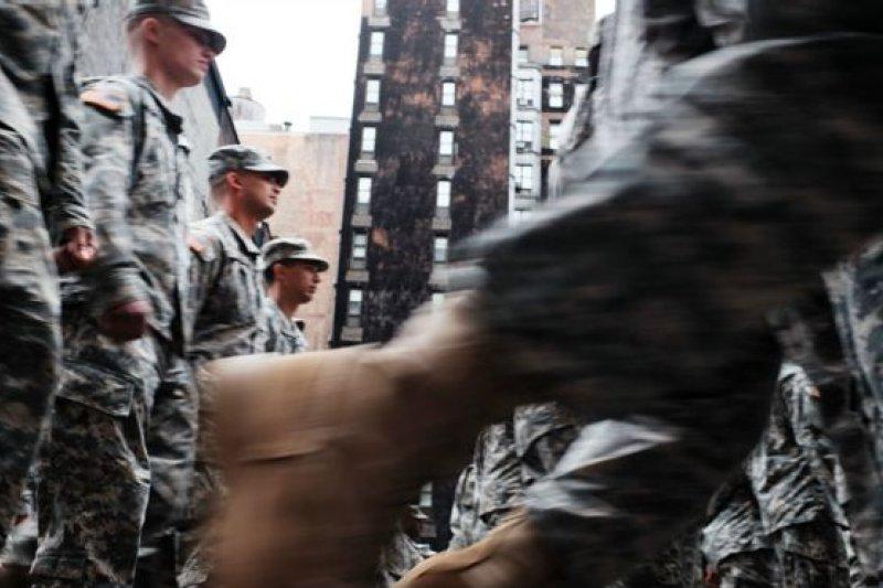 新指令將會要求美軍所有分支部門實施新政策(BBC中文網)