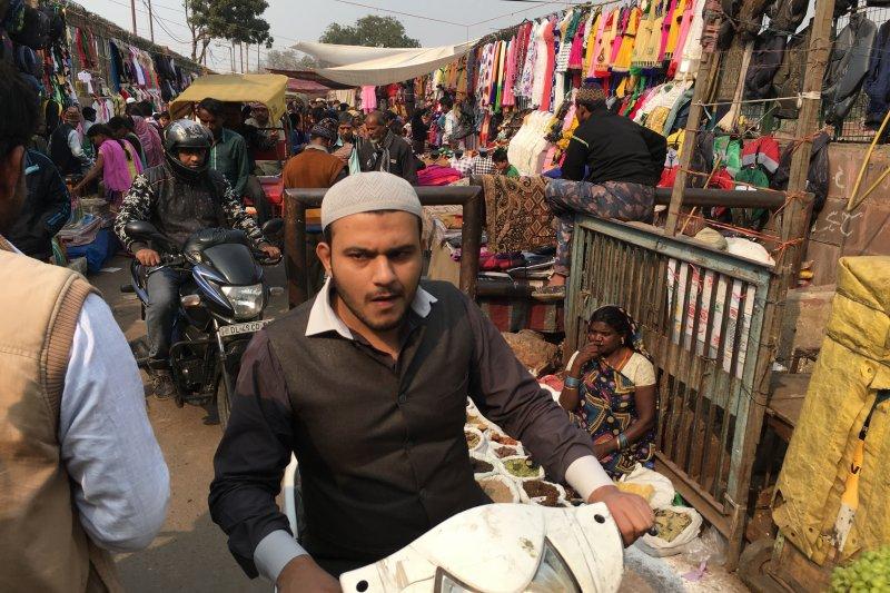 在印度購物時,事先做好功課,了解價格是必要的,也可以避免讓你成為印度人眼中的肥羊。(圖/印度尤提供)