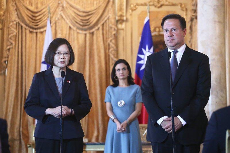 總統蔡英文在巴拿馬,與巴國總統瓦雷拉會晤。(中央社提供)