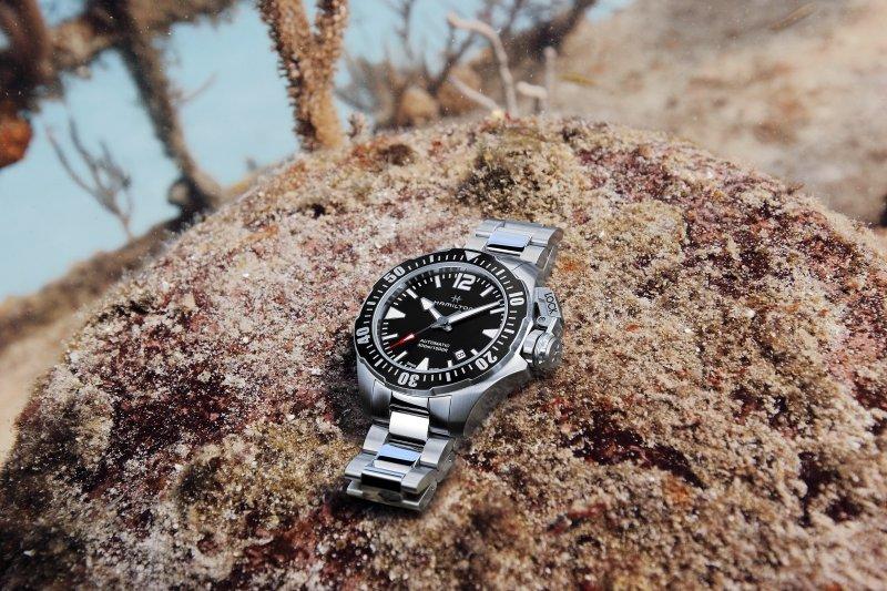 全新Frogman黑仕款深海實拍情境,展現漢米爾頓的強悍本色。(圖/漢米爾頓提供)