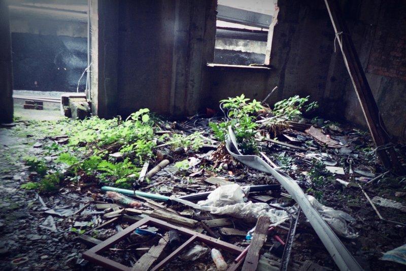 已無人煙的廢墟,總有許多傳說...(圖/Toomore Chiang@flickr)