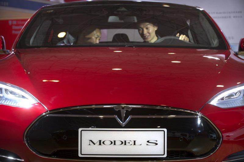 特斯拉(Tesla)自動駕駛發生死亡車禍,肇事的同型車「Model S」(美聯社)