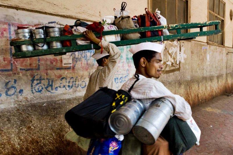 達巴瓦拉就是印度孟買超過一世紀的專業快遞飯盒服務(圖/Steve Evans@flickr)