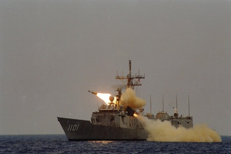 雄三飛彈誤射漁船,造成一死三傷。(圖為海軍公布成功級軍艦試射雄三資料畫面/中科院提供)