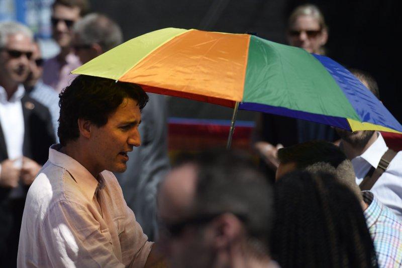 加拿大總理杜魯道(Justin Trudeau)參加多倫多同志大遊行。(美聯社)