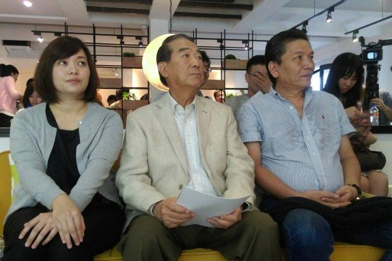 親民黨主席宋楚瑜(中)表示,親民黨願意率先協助總統蔡英文向大陸好好溝通,讓大陸了解台灣需要的是兩岸和平。(周怡孜攝)