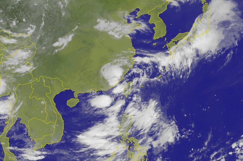 強颱尼伯特日前侵襲台灣,但是西部感覺風雨沒有預報來的大,網友便質疑氣象局的專業性,對此天氣即時預報與台灣颱風論壇則替氣象局抱不平。(取自CWB)
